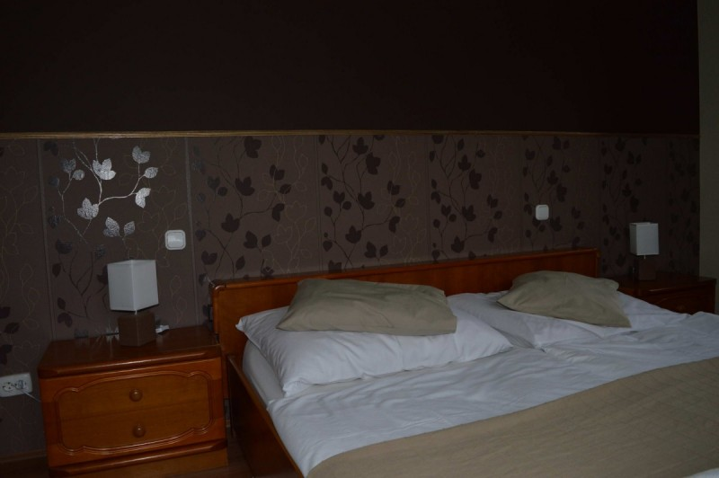 pollushof-erkelyes-szoba-11